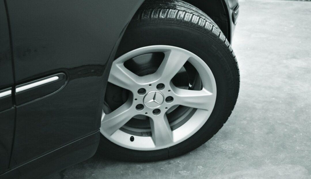 Comment choisir ses pneus? Types, tarifs, prix et conseils